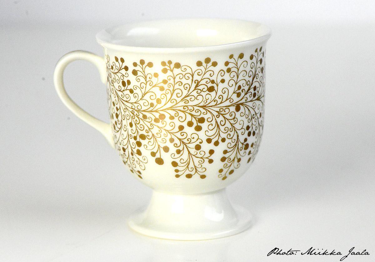 Arabia Desirée, Raija Uosikkinen. Siron kahvikupin malli on OC ja tuotannossa koriste oli vuosina 1967-1969.