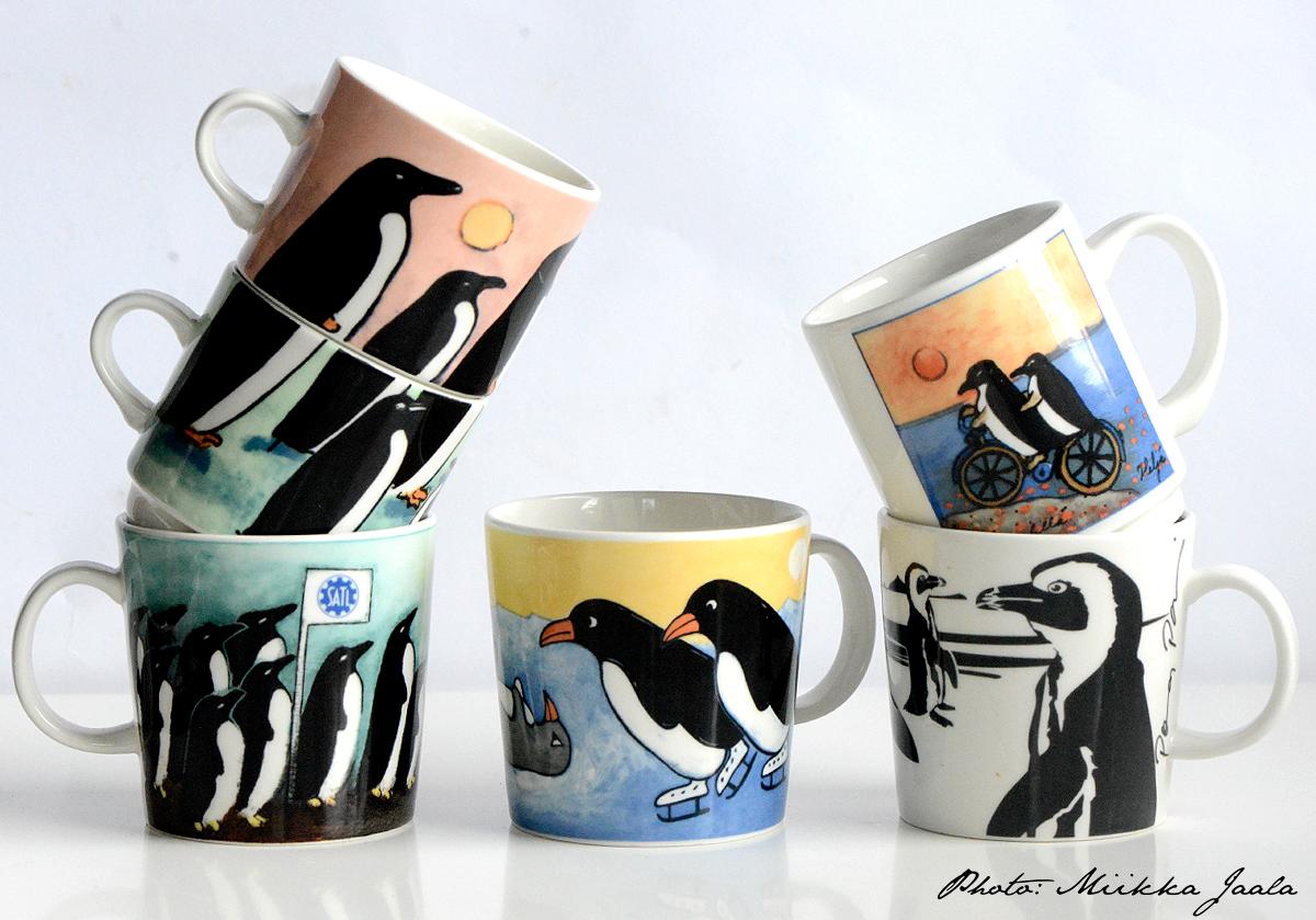 Pingviinit Arabian mukeissa – Penguins in Arabia Finland mugs