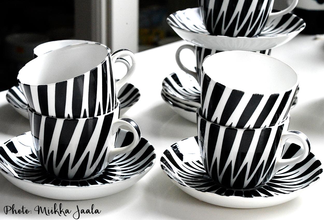 Arabia Toini – käsinmaalatut kahvikupit 1950-luvulta / handpainted coffee cups