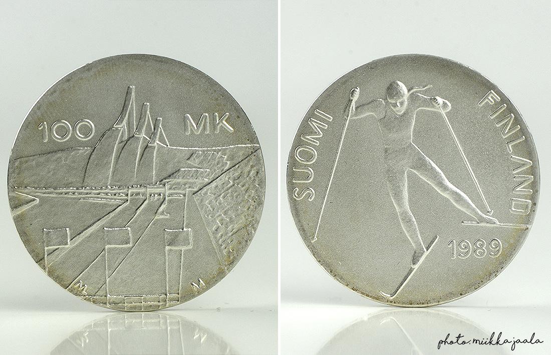 Vuoden 1989 hopeajuhlaraha, jonka nimellisarvo on 100 markkaa.